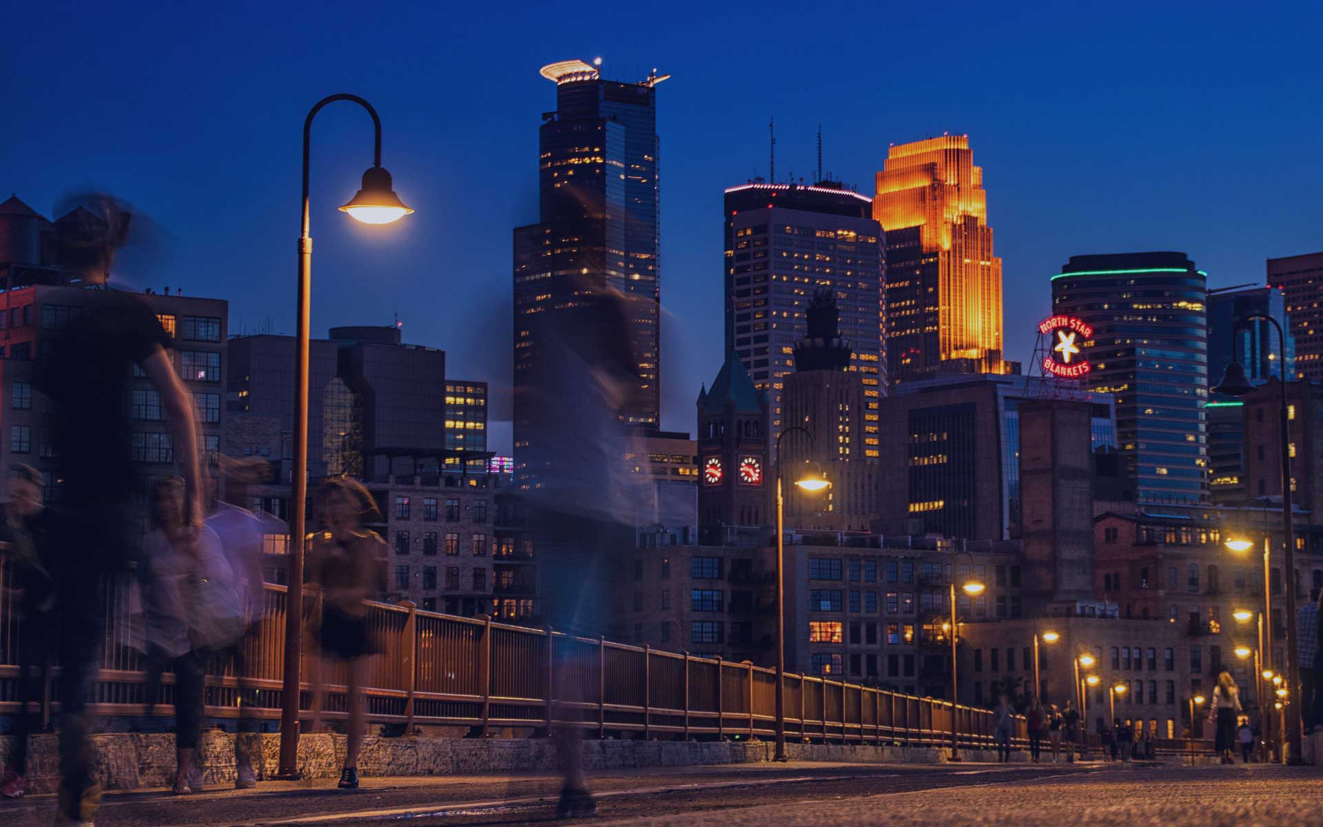 minneapolis-skyline-shaded